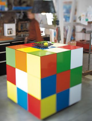 Rubiks_Cube_Table