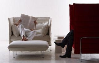 Love-seat-bouroullec-opus-rouge